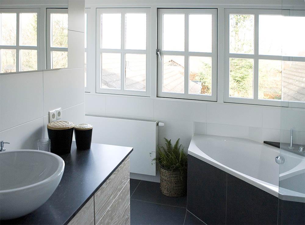 Badkamer En Tegels : Badkamers en tegels tibosch