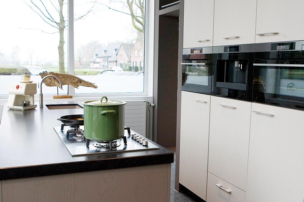 Moderne keukens archieven tibosch